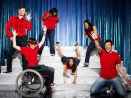 """Glee"" Renewed for Second Season"