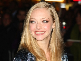 "Seyfried's Polygamist Relationship With ""Big Love"""