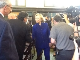 Hillary Clinton Launches Reading Campaign for Oakland's Children