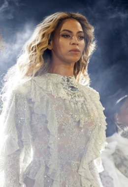 Bay Area Beyonce Fans Flock to Levi's Stadium