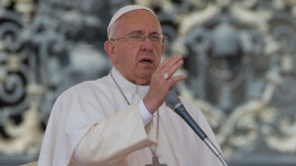 Pope Francis Mourns Loss of Chicago Cardinal