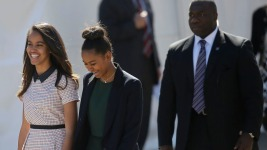 Obama's Oldest Daughter Visits Colleges