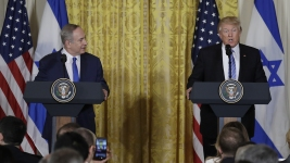 Trump Charts New Mideast Course; Maybe No Separate Palestine