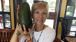 Holy Guacamole! Hawaii Woman Seeks Record for Huge Avocado