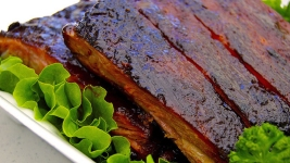 Woman Stabbed in Eye With Fork in Dispute Over Last Rib: Police