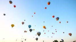 'Upside-Down' Hot Air Balloon Prompts 911 Calls