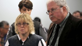 Prison Worker Who Helped Killers Escape Admits to Sex, Nude Photos: Docs