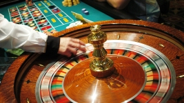 Man Hit by Runaway Roulette Ball Seeks $300K From Maryland Casino: Suit