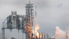 SpaceX Aborts Approach to Space Station, Delivery Delayed