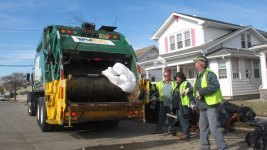 Two Garbagemen Bring Hope to Family of a Girl With Cancer