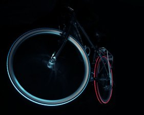 "LED Bike Tires That Look ""Pimp"""