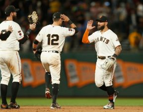 Longoria Rallies Giants Past Padres With Bat, Glove