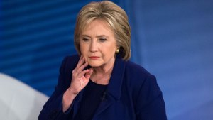 Clinton Makes a Personal Pitch to New Hampshire Voters