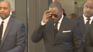 Judge Tables Ruling on R. Kelly's Request to Fly to Dubai