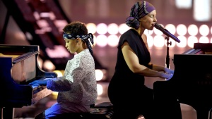 Alicia Keys & Her Son Duetted at 2019 iHeart Radio Awards