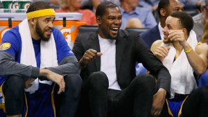 Kevin Durant Makes Strides at Warriors Practice