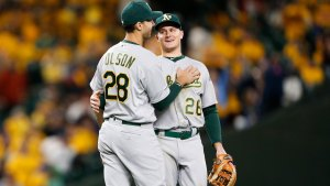 A's Chapman, Olson Win Second Career AL Gold Gloves