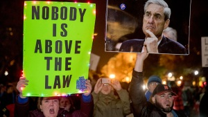 Protesters Demand Protection of Mueller, Russia Probe