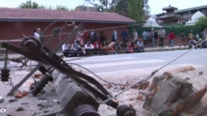 International Crisis Develops in Southeast Asia After 7.8 Nepal Quake