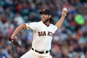 Giants Ride Bumgarner to 4th Straight Win