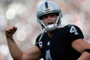 Carr Says Finger is Fine and He's Ready for Bills