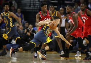 Warriors Stumble vs. Raptors, Win Streak Ends at Four