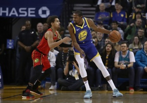 Warriors, Minus Steph and Draymond, Defeat Hawks