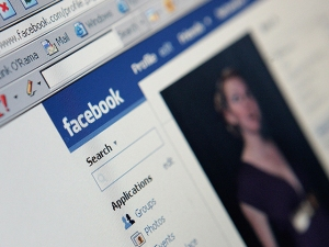 Facebook's Young Users Drop, But Elderly Rise