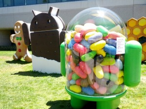 Google Unveils Jelly Bean Sculpture