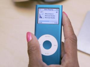 Apple Issues Free iPod Nano Replacements