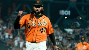 Cueto Decides Not to Test Market, Will Stay With Giants