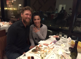 Hunter Pence Proposes to His Girlfriend At Disney World (She Said Yes!)