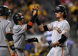 Giants Rally From Five Down to Defeat Pirates