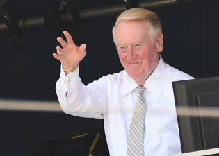 Legendary Broadcaster Vin Scully to Make Final Call in SF