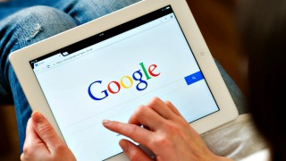 '2016: Worst Year Ever?': Report Reveals Most Popular Google Search Among Californians