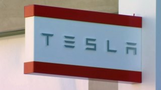 $500M Offered to Lure Tesla Battery Factory to California: Report