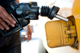 Average US Price of Gas Drops 2 Cents Per Gallon to $2.91