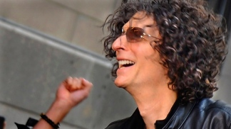 "Howard Stern Brings New Energy To ""America's Got Talent"""
