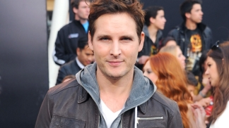 "Peter Facinelli on ""Twilight"" vs. ""Hunger Games"" Feud"