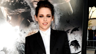 "Kristen Stewart Dishes On ""Snow White"" and ""Breaking Dawn Part II"""