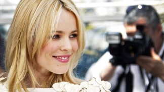 "Rachel McAdams Reunites With Owen Wilson In ""Paris"""