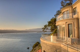 Art Gallery Meets Mansion in Belvedere