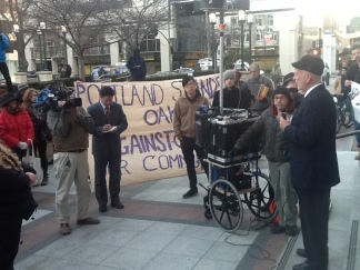 Oakland Activists Try to Stop Bill Bratton Deal