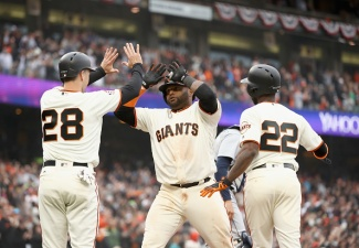 SF Giants' Offense Finally Wakes Up With 4 Home Runs