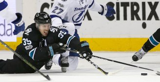 Sharks Sweep Back-to-Back With Win Over Lightning