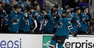 Sharks Offense Comes to Life, Grounds Jets 5-2