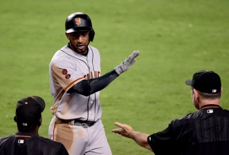 Giants Overcome Injuries to Crawford, Cueto to Beat Dodgers
