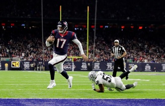 Raiders Fall to Texans, Playoff Run Comes to Abrupt End