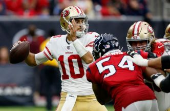 Niners' Garoppolo Putting in Work With Receivers