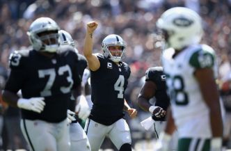 Raiders Offense Shows its Potential in Victory Over Jets